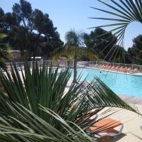 Hotel Pictures: Camping de Ceyreste, La Ciotat