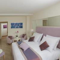 Double or Twin Room with Balcony and Lateral Sea View