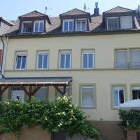 Hotel Pictures: Haus Moezelblik, Zell an der Mosel