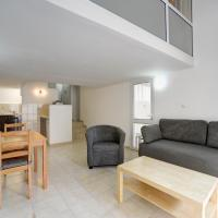 One-Bedroom Apartment with Garden South - 28 Hakovshim Street