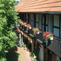 Hotel Pictures: Hotel garni & Oma's Heuhotel 'Pension zur Galerie', Barby