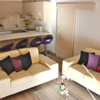 Luxury Apartment, 2 Bedroom Beach Front