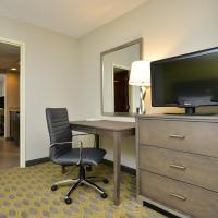 One King Suite with Whirlpool - Non-Smoking