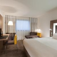 Executive Room with 1 Queen-Size Bed and 2 Sofas