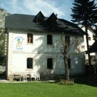Hotel Pictures: Albergue Pepito Grillo, Canfranc-Estación