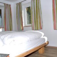 Hotel Pictures: Gästehaus Niedermeierhof, Ebersberg