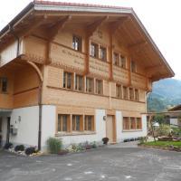 Hotel Pictures: Chalet Lauber, Frutigen