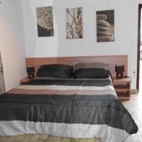 Hotel Pictures: Camping Panoramic, La Roquette-sur-Siagne