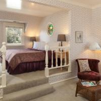 Alice's Balcony Room