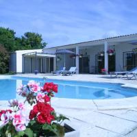 Hotel Pictures: Au Bois des Tilleuls, Landrais