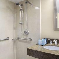 Queen Room with Two Queen Beds - Disability Access Roll in Shower