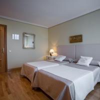 Hotel Pictures: Gestión de Alojamientos Rooms, Pamplona