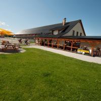 Hotel Pictures: Farma Ptýrov, Mnichovo Hradiště