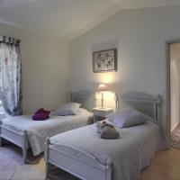 Two-Bedroom Apartment (4 -6 Adults)