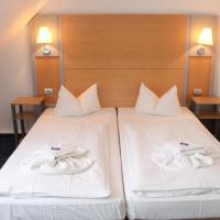 Hotel Pictures: Hotel Zum Strand, Warnemünde