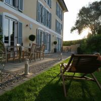 Hotel Pictures: Ampervilla Hotel, Fahrenzhausen