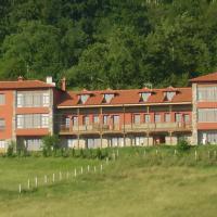 Hotel Pictures: Escuelas De Fuentes, Villaviciosa