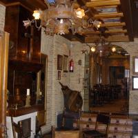 Hotel Pictures: Hostal La Codorniz, Sahagún