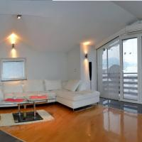 Deluxe Three-Bedroom Apartment with Spa Bath