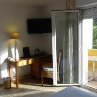 Deluxe Triple Room with Garden View