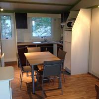 Three-Bedroom Chalet (6 People)