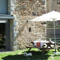 Hotel Pictures: Cal Sastre, Pardines