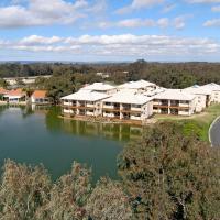 Hotel Pictures: Lakeside Holiday Apartments, South Yunderup