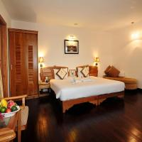 Deluxe Double or Twin Room with City View
