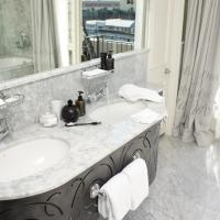 Penthouse Suite with Jacuzzi