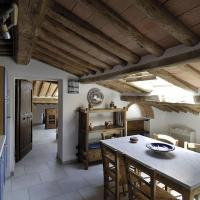 Two-Bedroom Apartment - Attic (5 Adults)