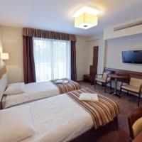 Family Suite (2 Adults + 2 Children)