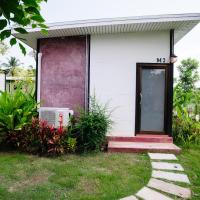 Superior Bungalow with Garden View