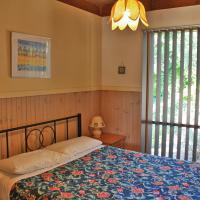 Two-Bedroom Cottage 1 - Rye