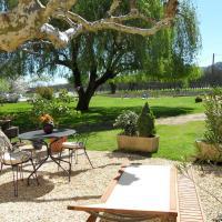 Hotel Pictures: Domaine des Escouanes, Prudhomat