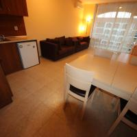 Superior One-Bedroom Apartment (5 Adults)