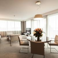Suite with Terrace and Lake View