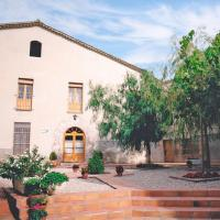 Hotel Pictures: Masia Can Cardús, Sant Sadurní d'Anoia