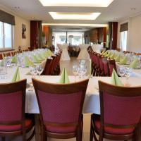 Hotel Pictures: Zum Burghof, Schoenberg