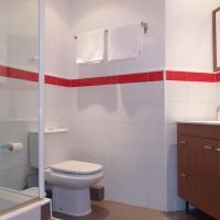 Three-Bedroom Apartment (1-4 Adults)