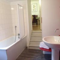 Two Bedroom Apartment with Courtyard View 1st Floor