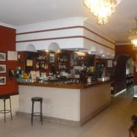 Hotel Pictures: Hostal Cerezo, Guadalupe