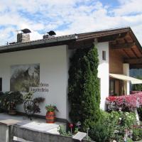Hotel Pictures: Haus Ampferstein, Telfes im Stubai