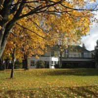 Hotel Pictures: River Breeze Inn, Carleton Place