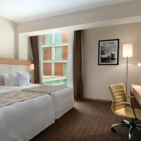 2 Twin Beds Guest Room