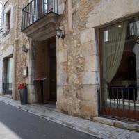 Hotel Pictures: Fonda Mitjà, Torroella de Montgrí