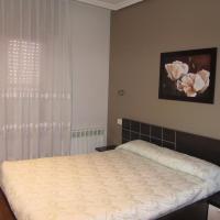 Hotel Pictures: Hostal Puerta La Villa, Tordesillas