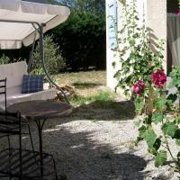 Hotel Pictures: Aux Charbonniers, Châteauneuf-Val-Saint-Donat