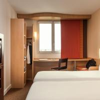 Room with twin beds equipped with the new bedding