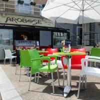 Hotel Pictures: Arobase Hotel, Laval
