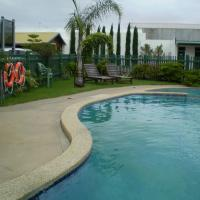 Hotel Pictures: Banjo Paterson Motor Inn, Lakes Entrance